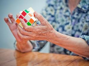 Keep brain healthy to cut dementia risk