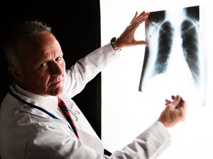UK doctors want lung cancer focus back